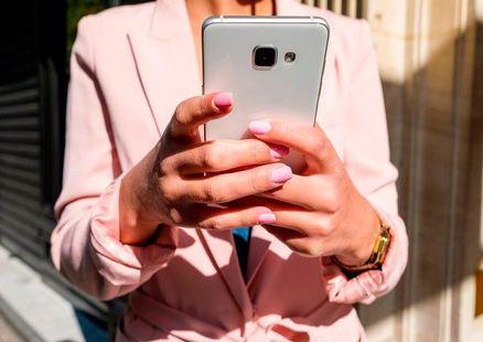 Ďalšia inovácia v hlasových službách: Orange pre svojich zákazníkov sprístupňuje Volanie cez Wi-Fi
